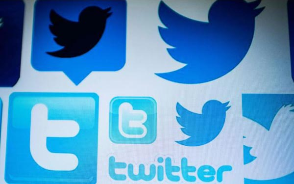 Twitter warns users of year long glitch that may have shared private messages